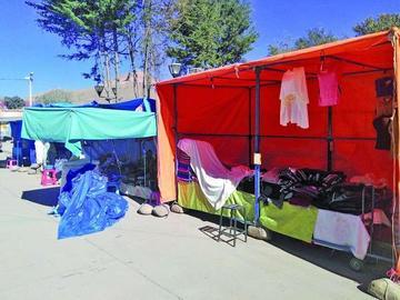 Comerciantes de La Paz se asientan en Cantumarca