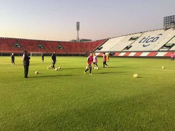 Real Potosí busca golpear primero a Cerro Porteño