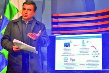 Quintana critica a Ortiz por utilizar dinero del extranjero