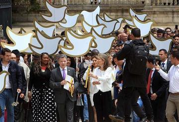 Colombia proclama el cese al fuego definitivo y anuncia un plebiscito