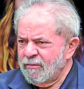Presentan cargos por corrupción contra expresidente Lula da Silva