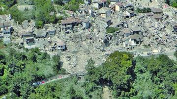 Italia vive luto por el sismo que mató a 278 personas