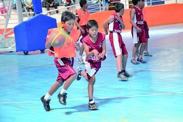 Gobernación y Alcaldía concilian el uso de campos deportivos para los Pluris