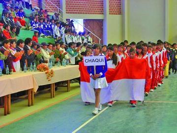 Estudiantes entran en competencia en 9 disciplinas