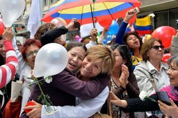 Rige el cese al fuego en Colombia tras pacto con la guerrilla de las FARC