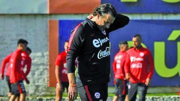 Pizzi rearmará la defensa de Chile