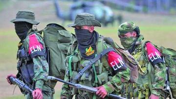 ELN detona explosivos en una carretera en Colombia