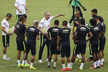 Brasil y Colombia buscarán en Manaos el liderato