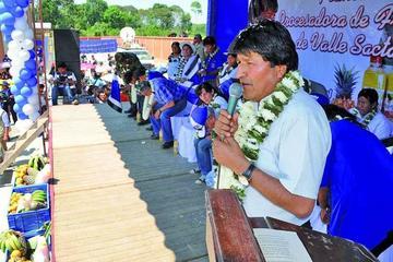 Morales ataca el consumo de Viva y de la Coca Cola