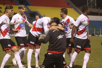 El equipo potosino se impuso al último campeón nacional en la quinta fecha del torneo de la Liga de Fútbol.