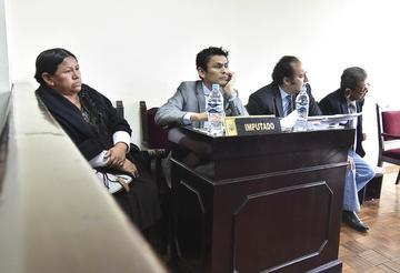Fondo: suspenden audiencia por la libertad de Nemesia Achacollo