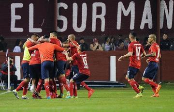 Independiente vence y se medirá en octavos con Chapecoense