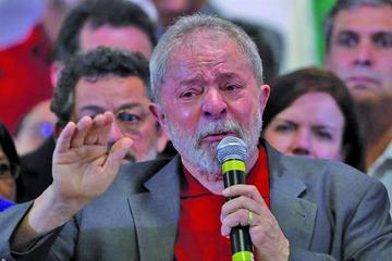 Lula sostiene que si le  prueban delitos irá por sí mismo a la comisaría