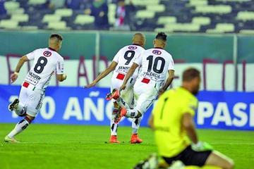 Palestino gana y deja a Perú sin equipos