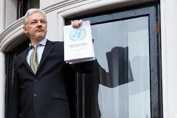 Corte sueca mantiene la orden de arresto en contra de Assange