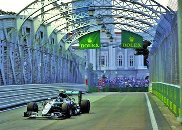 """Nico Rosberg gana la """"pole"""" en el Gran Premio de Singapur"""