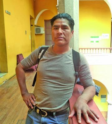 Dos potosinos participan en caminata del Ecuador