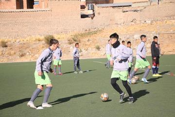 Nacional trabaja en jugadas a balón parado