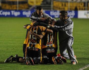 El Tigre gana y salta al segundo lugar del torneo