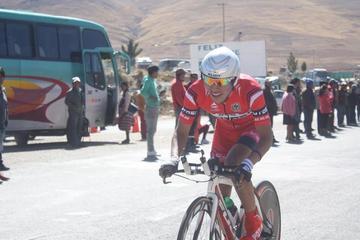 Javier Arando sube al podio en la Vuelta a Tarija de ciclismo