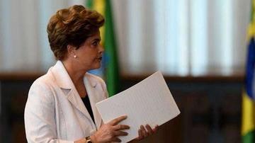 Investigan a empleados por agilizar jubilación de Rousseff