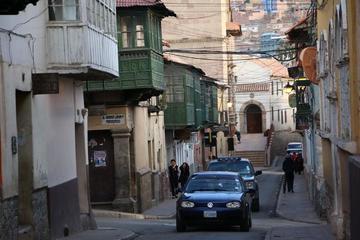 Choferes piden vías alternas  por el cierre de la calle Tarija