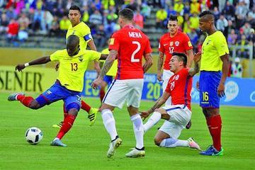 Ecuador vuelve a puestos de vanguardia al ganar a Chile
