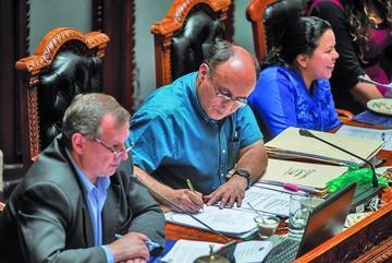 Asamblea aprueba informes del ministro Reymi Ferreira
