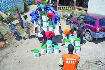 Haití ya recibe ayuda para las víctimas del huracán Matthew