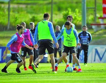 Selección uruguaya viaja a Colombia
