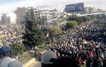 Un cabildo de vecinos de El Alto exige más nacionalizaciones