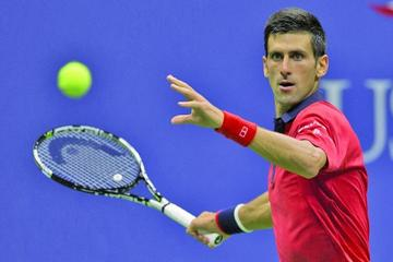 Djokovic avanza a semifinales en Shanghai