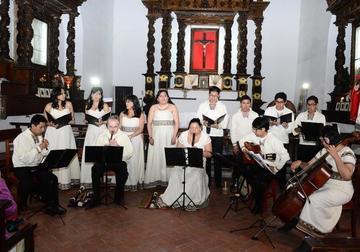 Musicvm Unayay actúa en Cayara