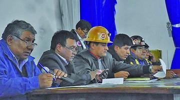 COB analiza hoy en un ampliado un 'rosario' de negativas de Evo Morales