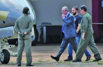Detienen por corrupción al que  promovió el juicio a Rousseff