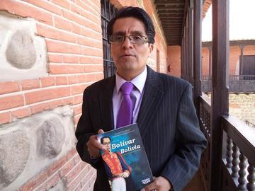 Aprueban el libro del hijo de Bolívar