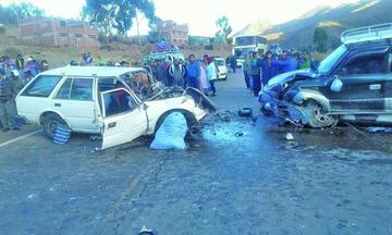 Colisión de vehículos deja tres personas fallecidas