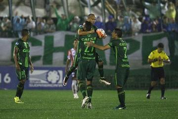 Chapecoense golea por 3-0 al Atlético Júnior
