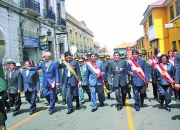 Comcipo convoca a un desfile por aniversario cívico regional