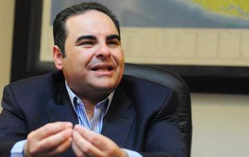 Expresidente salvadoreño Saca afronta proceso judicial preso