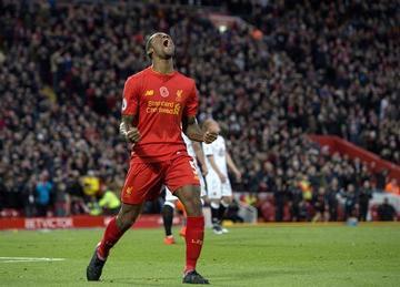 Liverpool golea y queda como único líder