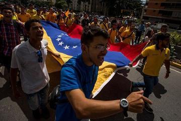 Estudiantes en Venezuela piden resultados del diálogo político