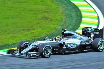 Hamilton lidera los entrenamientos en Brasil