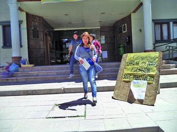 Médicos sindicalizados de la Caja de Salud acatan paro de 48 horas