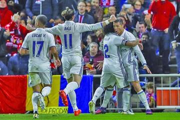 """Real Madrid somete al Atlético en el """"Vicente Calderón"""""""