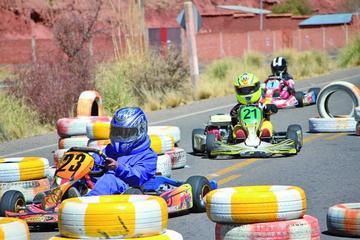 Cinco potosinos suben al podio en la carrera de karting