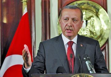Turquía expulsa de la carrera a 15.000 de sus empleados