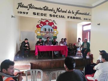 Fabriles piden políticas para proteger la producción local