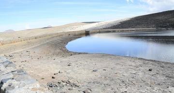 Defensor afirma que el agua de las lagunas se acaba y Aapos lo niega