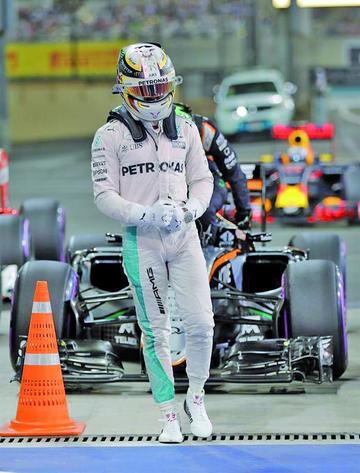 """Hamilton gana la """"pole"""" en el GP de Abu Dabi"""